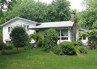 MONTREAL Area.House in St-Jean-sur Richelieu,large lot with Gardens.