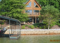 Beautiful Waterfront Log Cabin Home on Lake Keowee, South Carolina
