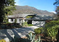 In the foothills, close to downtown, beaches and world renowned sites