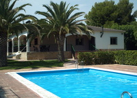 House with pool and garden close to Valencia and the beach