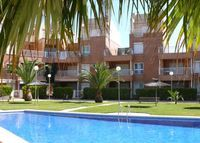 Nice apartment in Costa Blanca, East Spain, at the seaside, with swimming pool and a paddle tennis court.  Looking for a place near London for 2013 summer