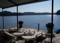 LAKEFRONT HOME (Lake Hartwell, GA) 5 BR, 4 BA, 2 kitchens, hot tub