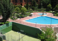 Attractive, spacious duplex with swimming pool in the center of Madrid