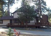 Beautiful 3-bedroom home just a stones throw from the lake and minutes to major ski resorts