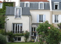 House with garden,very quiet and very close from Paris (5 kilometers)