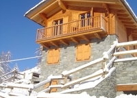 Chalet in the ALPS with magnificent mountain view. Or VENEZIA-VENICE