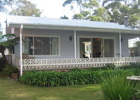Renovated cottage on the shores of the white sands of Jervis Bay.