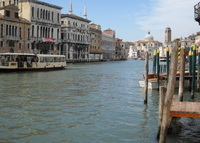 charming and tranquil apartment in the Heart of Venice with beautiful view of the canals  .