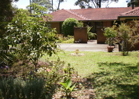 Sunny 3 bedroomed family home overlooking bushland reserve, close to shops & buses to city and surrounds.  Safe quiet area, ideal spot to explore beautiful Sydney.