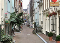 Amsterdam (Red Light District) Apartment (open to longer exchanges)