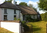 Traditional Irish cottage in rural Kilkenny, easy reach of Dublin