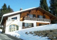 4 bedroom Swiss  Chalet on Private Road, Walk to Lifts