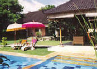 Luxury resort style home- 80mtr Seminyak beach. 26m pool, big lawns