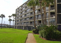 OCEANFRONT CONDO - ST AUGUSTINE BEACH, FLORIDA, Ground flloor 2 bed/2 bath on the beach, steps from the ocean.