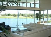 Luxury contemporary golf course/lakeside home 5 minutes from beach