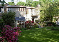 Mini-estate,pool,close to Washington DC attractions,subway,shopping