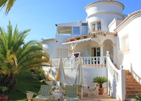 ARRANGED SUMMER 2015 Beautiful villa with pool in mediterranean area