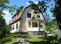 Comfortable Family Home in Leafy Suburb nr Stockholm