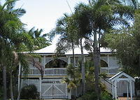 Traditional 4 bedroom Queenslander in tropical paradise near the Great Barrier Reef.