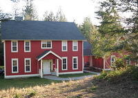 Attractive home on small acreage, near beaches, golf and Victoria.