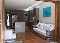 Renovated terrace in the heart of Paddington, Sydney, walk to city, bus to bondi and circular quay 100m
