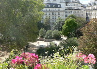 PARIS, great location available Xmas, Feb 16 for non simultaneous swap