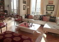 Beautiful apartment in West of Paris, 10 mn walk from Champs Elysées.