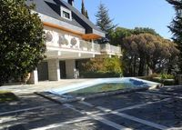 Villa of 350 m2  with pool beautiful views,Escorial 45min from Madrid.