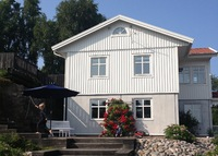 Rural villa with beautiful garden close to the sea and to Gothenburg