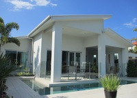 Near Noosa/Brisbane and golf.  Waterfront house with pool and views