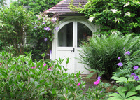 Beautiful country cottage in Hampstead, the best part of leafy London