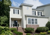 Spacious townhouse in state park like setting + Orlando Condo