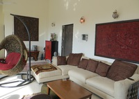 Sunny, comfortable 3+ bedroom, 4 bathroom apartment in Mumbai