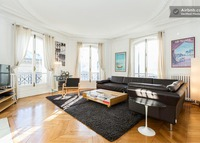 the perfect parisian apartment, just next the Eiffel Tower