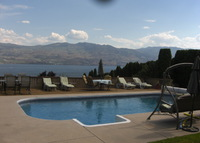 Awesome OKanagan Experience with 110 km lake, mountains and vineyards