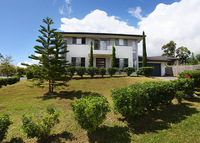 Spacious, modern, 4 bedroom home on the Sunshine Coast Hinterland.