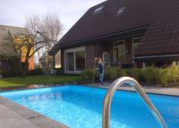 Detached home, pool in recreational area