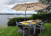 Lake Macquarie Newcastle. Close to Hunter Valley vineyards & Sydney