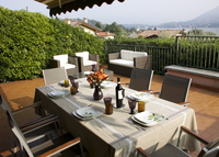 A pearl on Lake Como + elegant apartment in the heart of Rome(Navona)