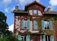 Charming house with nice garden - 25 minutes from Paris