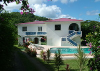 3 Bed 2 bath Apartment with Swimming Pool & Spa in Rodney Bay St Lucia