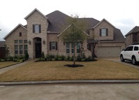 House right outside of Houston with pool and spa in a Lake community!