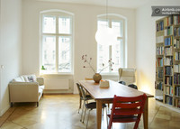 Spacious apt in Berlin, Mitte