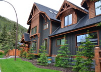 Banff - Mountain Chalet in the heart of Banff National Park