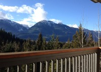 Squamish BC beautiful mountain views, 45 mins to Whistler & Vancouver