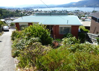 Spacious home overlooking Derwent River, Hobart, Tasmania