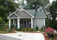 Cute new home in the Montford neighborhood - walk to downtown