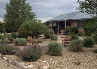 Charming elegant casita with Taos Mt. view