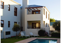 4 star, two bed apartment in Franschhoek, South Africa.