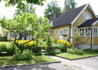 Beautiful renovated house with amazing garden 15 min from Sthlm city